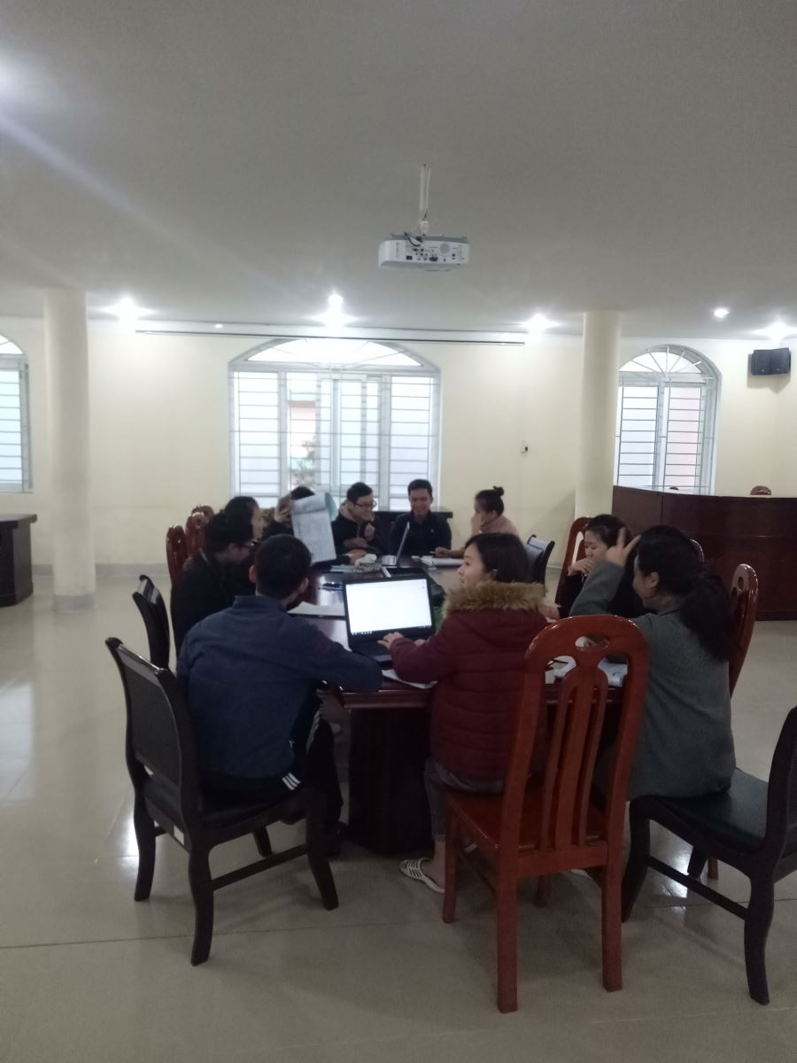Sinh viên thảo luận nhóm